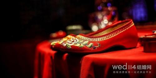 属蛇女的最佳结婚月份 属蛇女结婚利月吉日