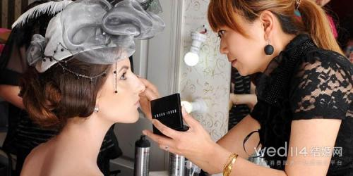 婚礼新娘化妆师请哪个好 选择技巧分享