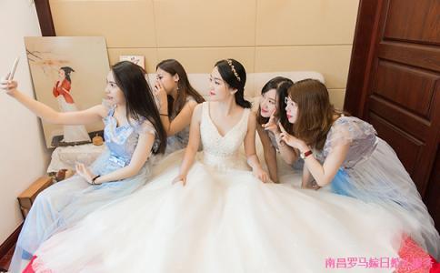 同年结婚当伴娘冲喜吗 自己快结婚能当伴娘吗