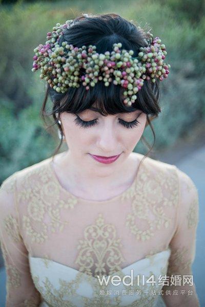 方脸新娘适合什么发型 方脸新娘婚纱照发型推荐