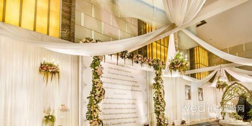 唯美浪漫婚礼主持词范文 分享甜蜜传达爱意