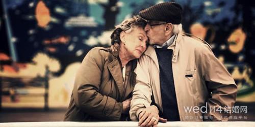 父母钻石婚送什么礼物好 向父母表达孝心祝福